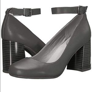 Kenneth Cole Reaction Happy-ness Dress Pump